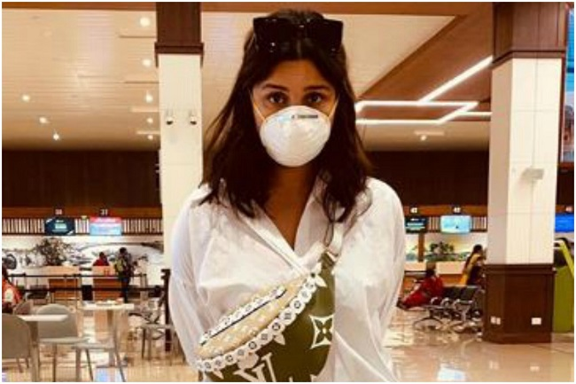 Pariniti Chopra wear masks to protect against corona virus